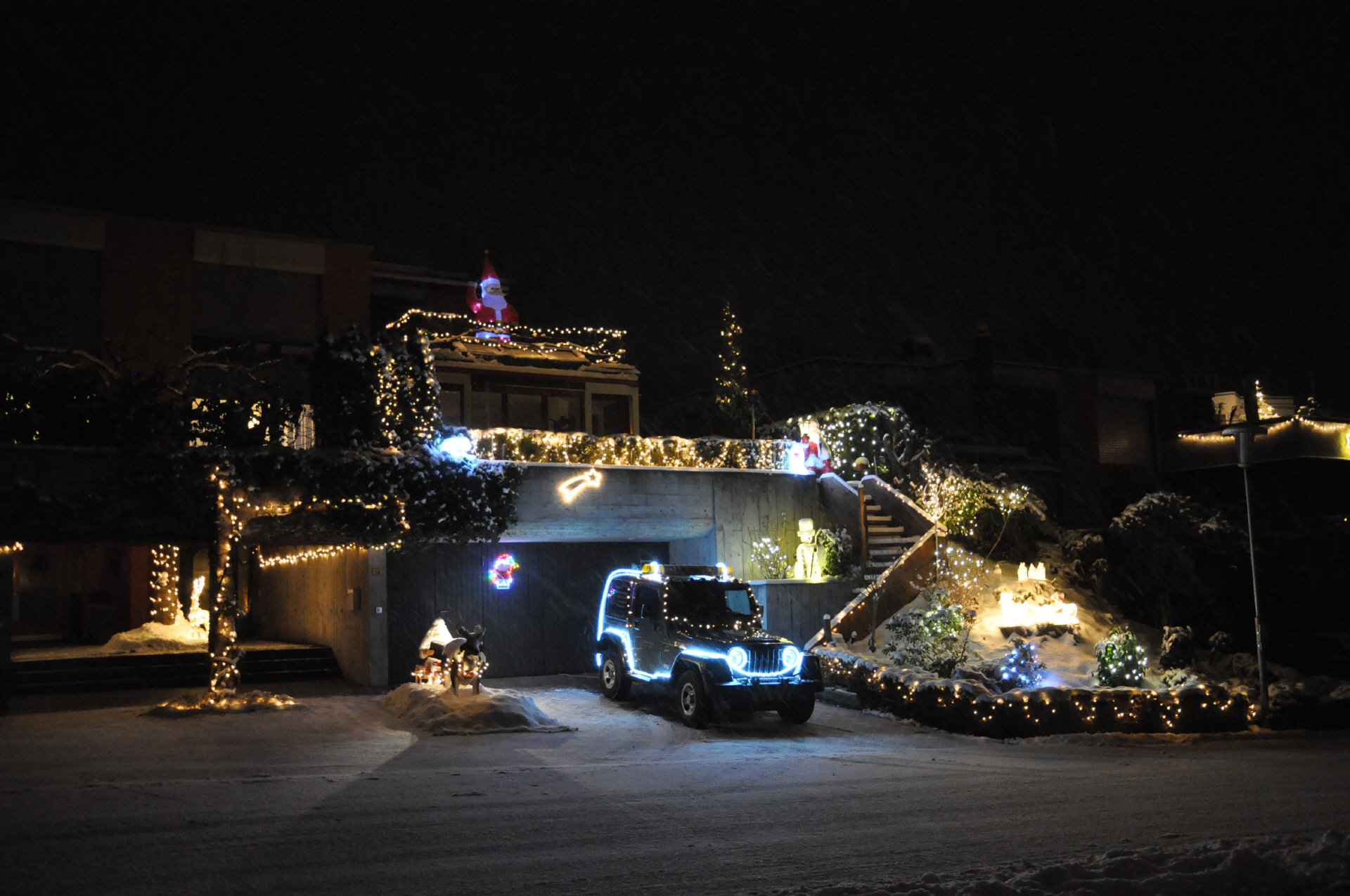 Haus Weihnachtsbeleuchtung.Haus Weihnachtsbeleuchtung